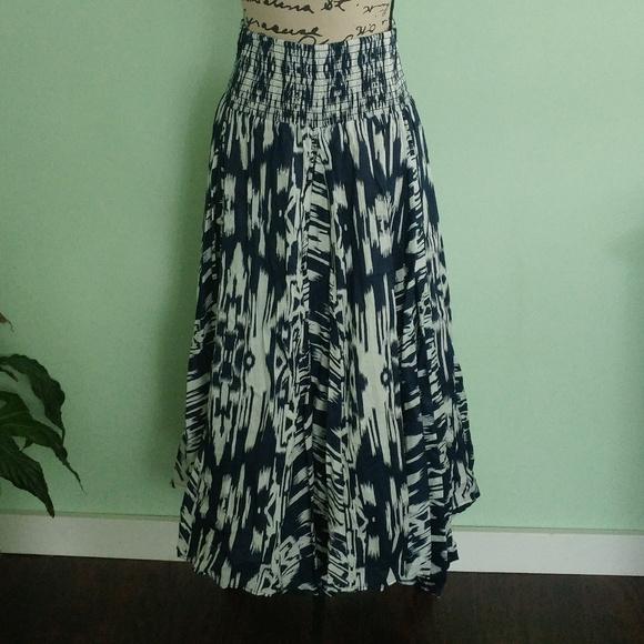 Chelsea & Theodore Dresses & Skirts - NWT CHELSEA & THEODORE BLUE WHITE MAXI SKIRT SZ M